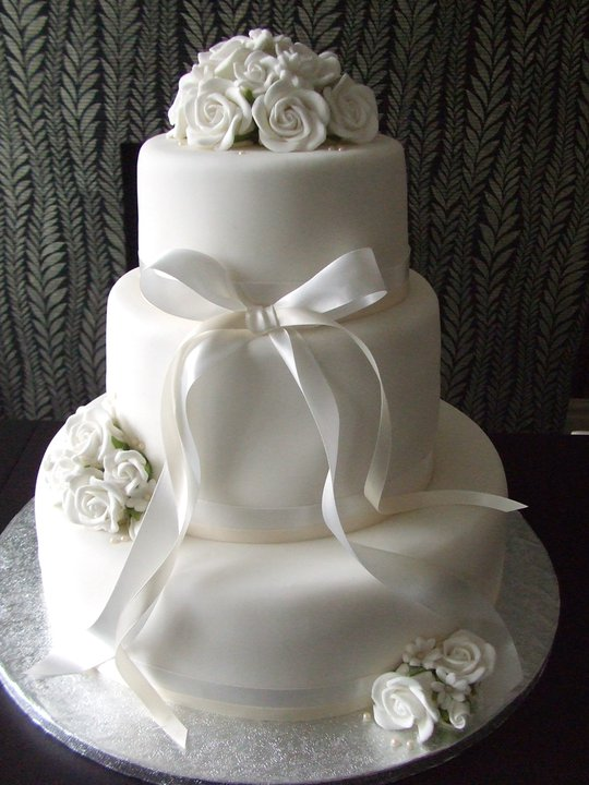 White Flower Themed 3 Tier Wedding Cake 4