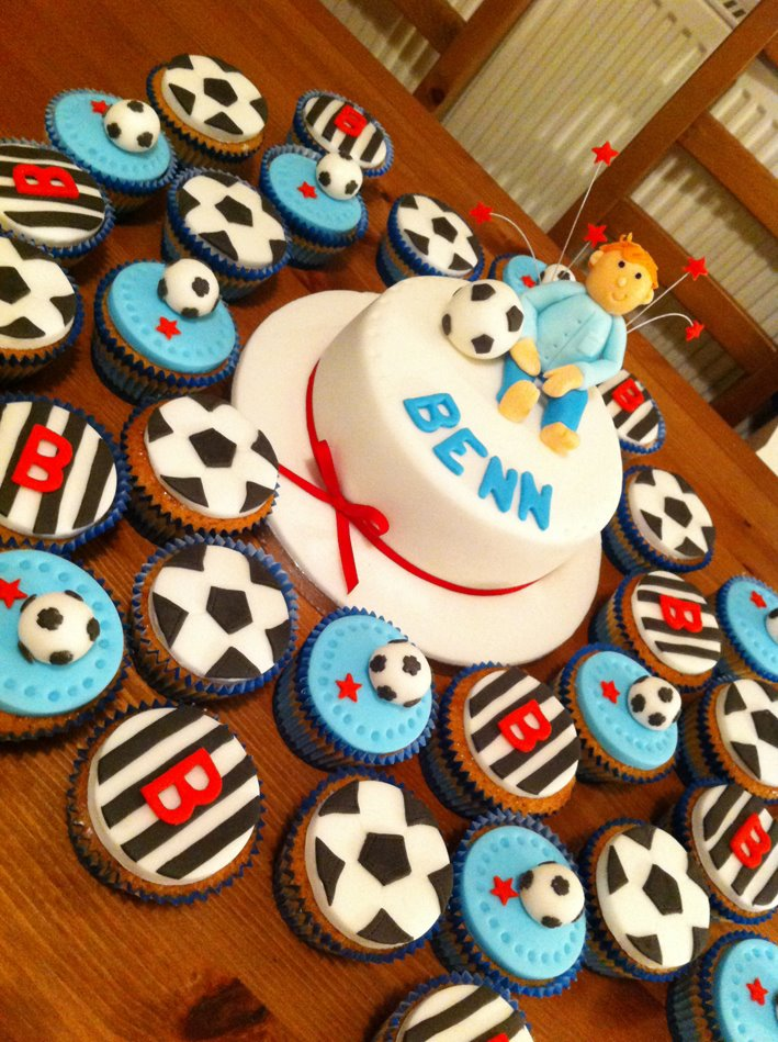 Football Cake And Cup Cakes 2