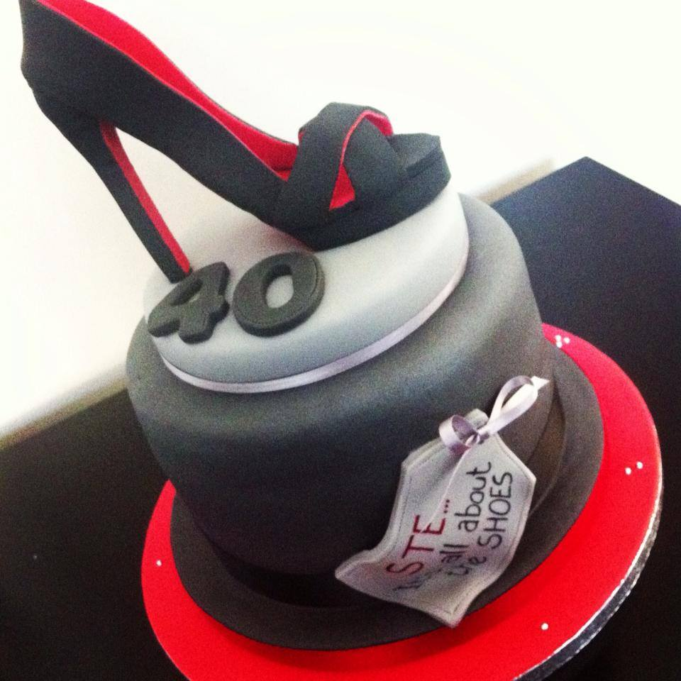 HIGH HEEL CAKE LICKY LIPS CAKES LIVERPOOL