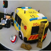POLICE VAN MATRIX VAN LICKY LIPS CAKES LIVERPOOL