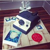 Camera Instagram Cake Licky Lips Cakes Liverpool