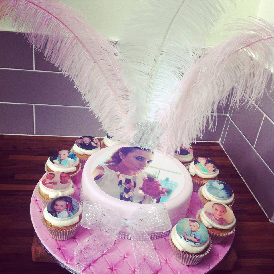 picture cake with cupcakes - licky lips cakes liverpool