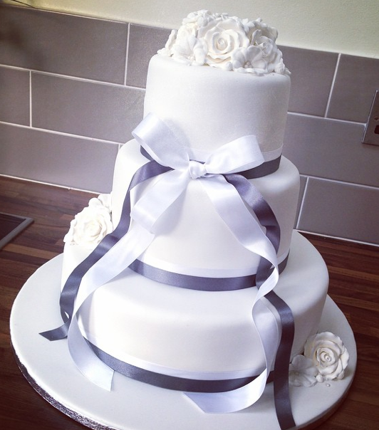 3 Tier Wedding Cake Licky Lips Cakes Liverpool