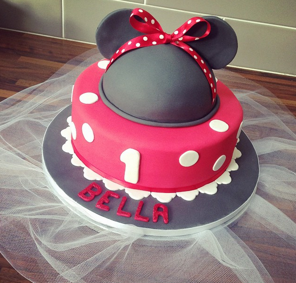Licky Lips Cakes Liverpool Childrens Cake Minnie Mouse Cake