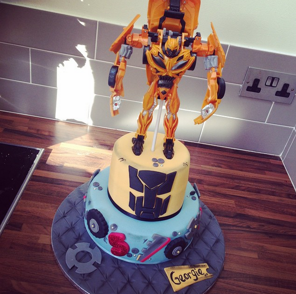 Licky Lips Cakes Liverpool Childrens Cake Transformer Bumble Bee Cake