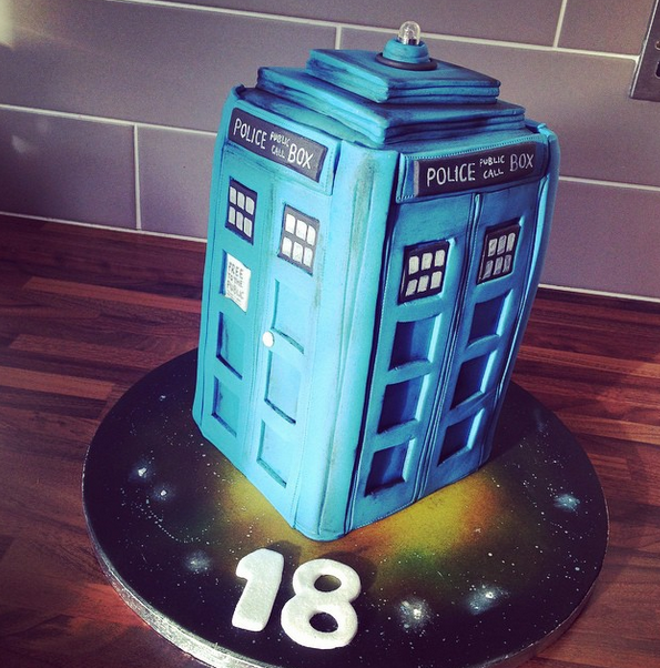 Licky Lips Cakes Liverpool Men Dr Who Tardis
